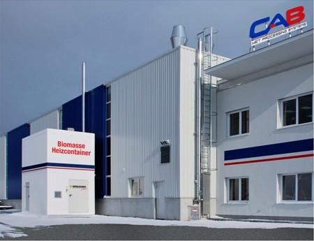 Řešení pro kancelář a výrobní halu -  dvoupatrový kontejner na štěpku, výkon kotle 150 kW (firma CAB)