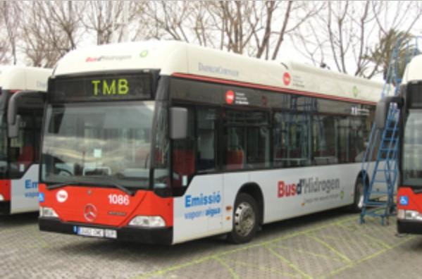 Prototyp autobusu poháněný palivovým článkem v Barceloně