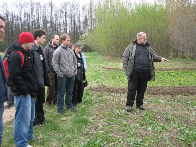 Ing. Roman Honzík seznámil studenty s pěstováním a využitím energetických a půdopokryvných plodin