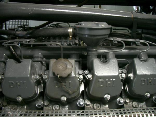 Detail hlav válců pohonné jednotky