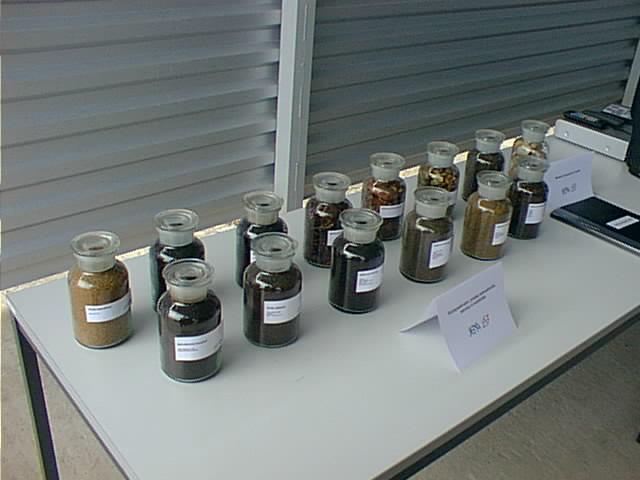 Vzorky kompostů a substrátů