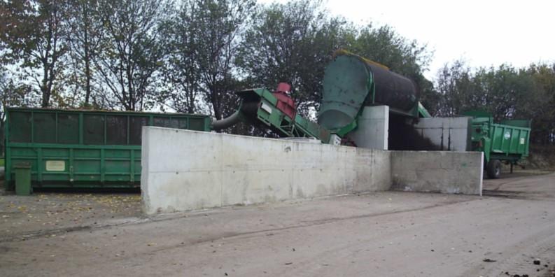 Zariadenia na dotrieďovanie a preosievanie kompostu.
