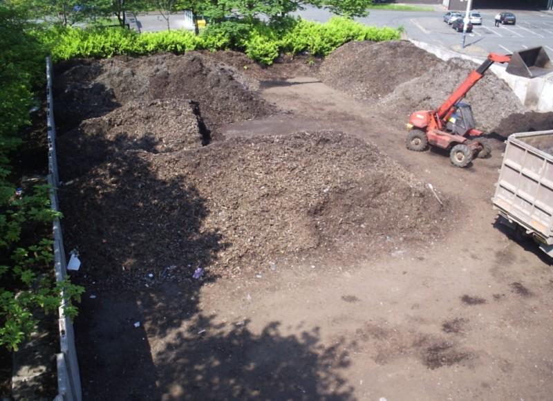 Plocha na dozrievanie surového kompostu.