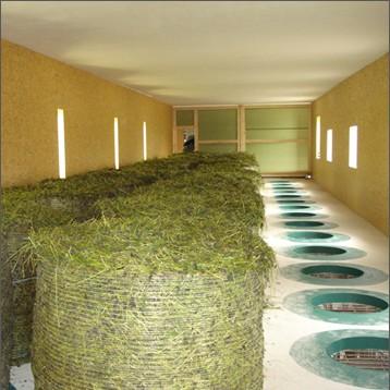 Pohled do vnitřku haly pro sušení balíků