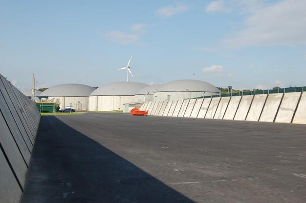 Pohled na fermentory bioplynové stanice