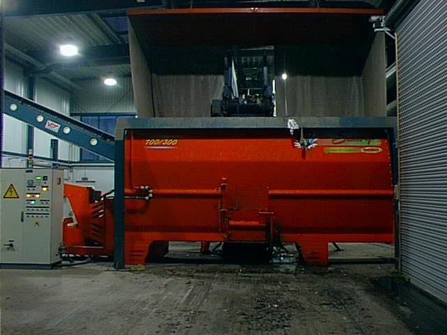 Zařízení pro homogenizaci a vlhčení odpadu před fermentací