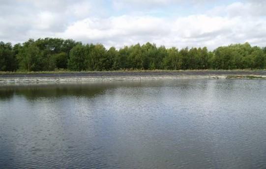 Zásobníková nádrž odpadních vod v Enköpingu