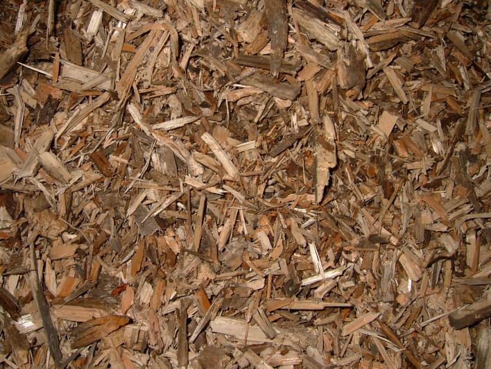 Dřevní štěpka vyrobená kladivovým drtičem