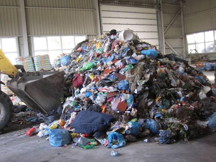 Vstupní hala pro mechanickou předúpravu směsných komunálních a jím podobných odpadů