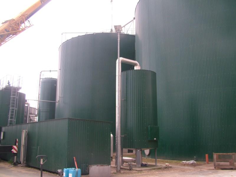 Fermentory a odsiřovací biofiltr