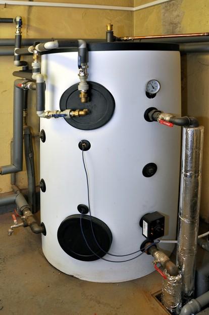 Akumulační nádrž s ohřevem TUV