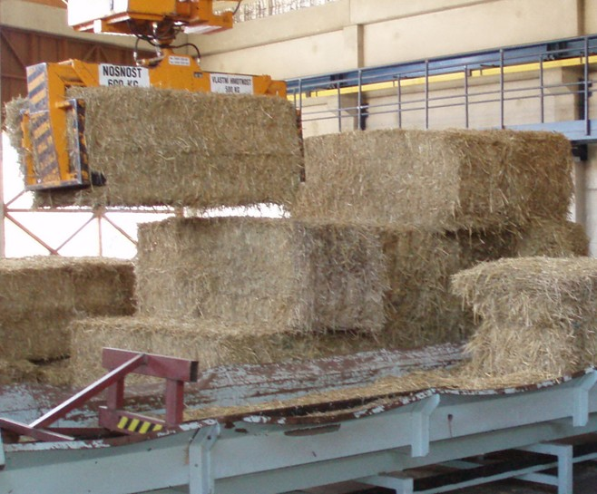 Dosavadní provoz výtopny dokazuje, že spolehlivá výroba tepla ze slámy je možná